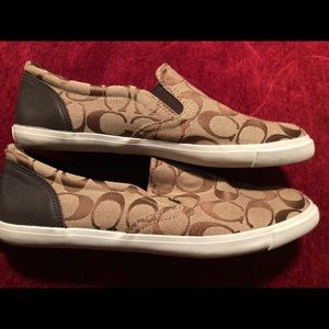 Women's Coach signature print Shoes 9.5 flats